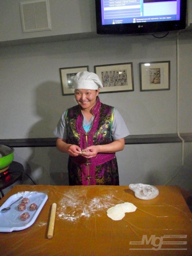 Лепка бууз - Фестиваль «Кухня без границ»
