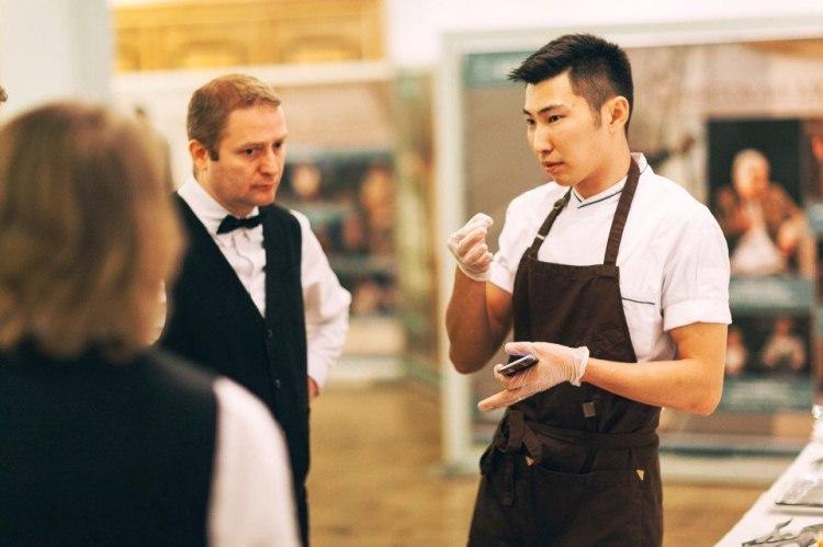 Андрей Малханов в ресторане