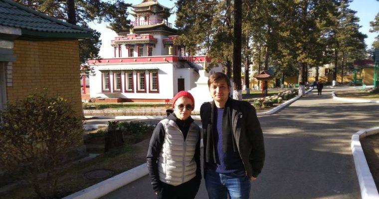 Диана Арбенина пообедала в позной Читинского дацана после концерта в Чите