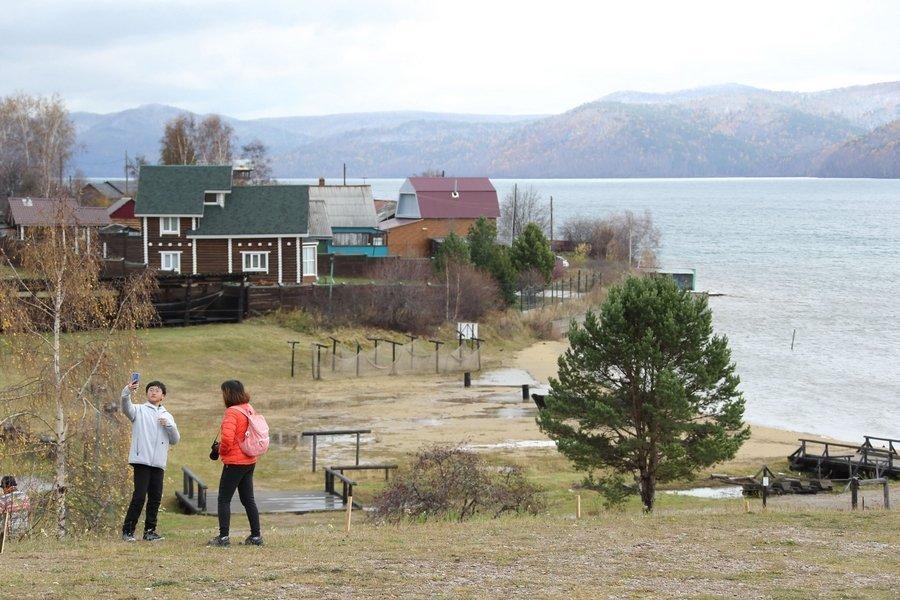 Сделать селфи там, где Ангара вытекает из Байкала