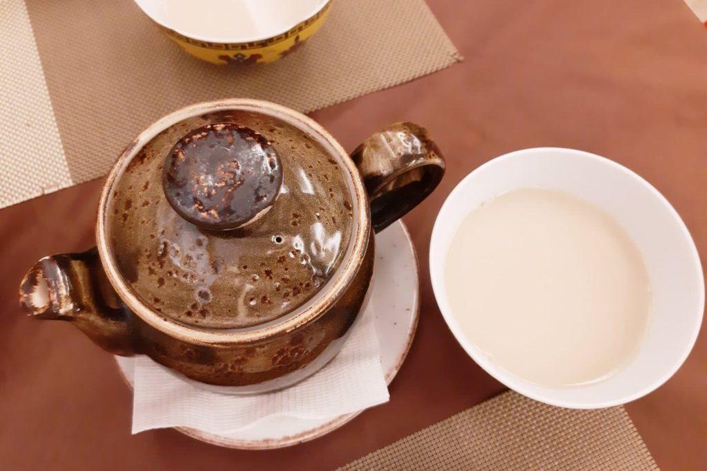 Чай с молоком в «Сэлэнгэ»
