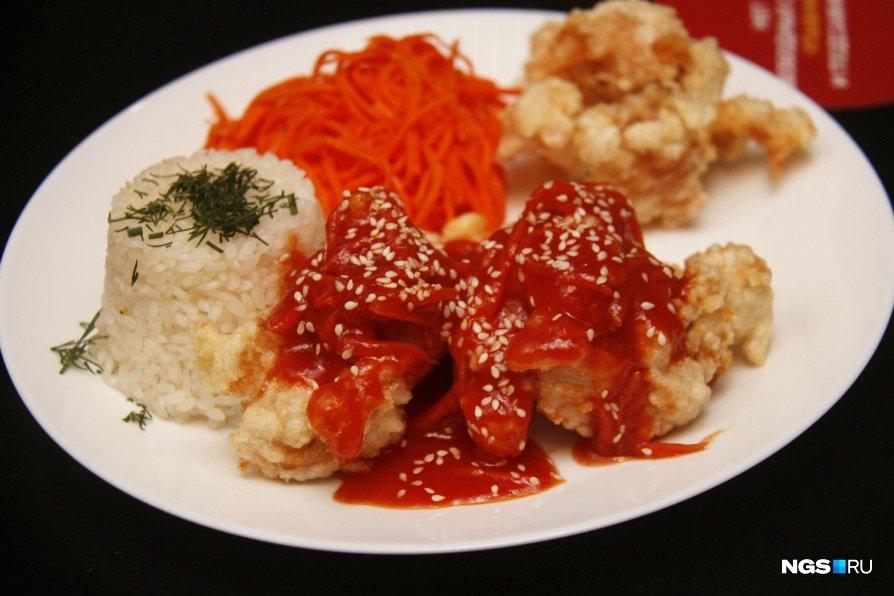 В «Хан Буз» есть несколько блюд из китайской кухни